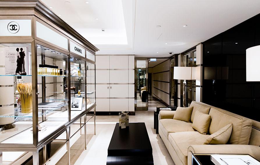 Chanel Au Ritz Paris Place And Customized Treatements