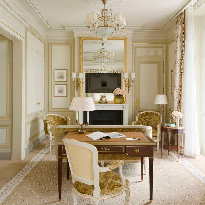 Deluxe room hotel ritz paris 5 stars for Chambre de luxe hotel