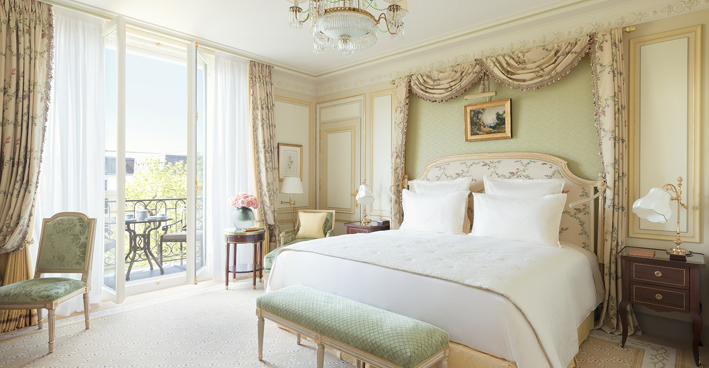 chambre deluxe h tel ritz paris 5 toiles. Black Bedroom Furniture Sets. Home Design Ideas