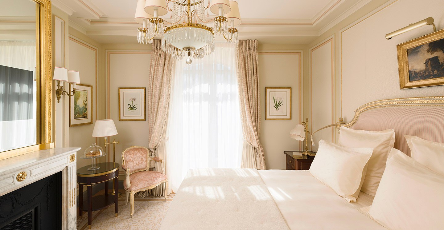 Superior room hotel ritz paris 5 stars for Chambre luxe
