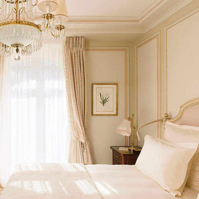 French Chic Bedroom Paris Apartments